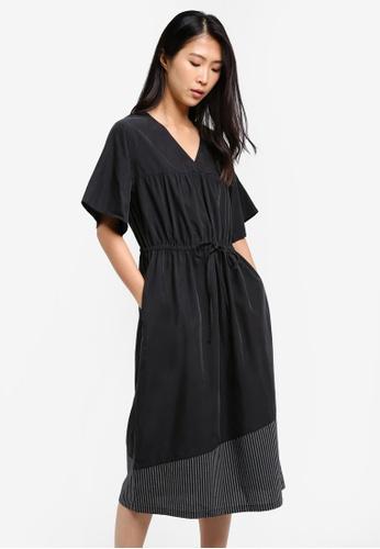 WEEKEND SUNDRIES black Dewy Drawstring Dress WE453AA0FXUZSG_1