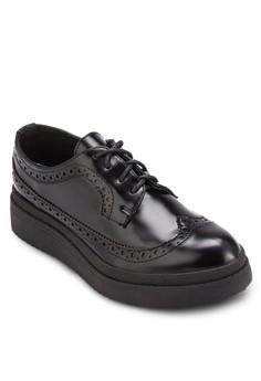 BETSY 雕花厚底牛津皮鞋 黑色
