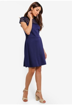8486209f38914 14% OFF Dorothy Perkins Navy Lace Top Skater Dress HK$ 460.00 NOW HK$  394.90 Available in several sizes