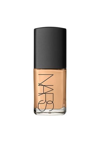 NARS beige Sahel – SHEER GLOW FOUNDATION. CD530BE2418303GS_1