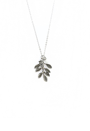 Trinkets for Keeps silver Acorn and Leaves Necklace TR047AC66VCRPH_1