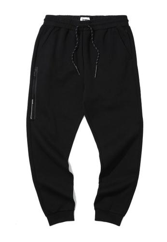 izzue black Zip sweatpants 12B84AAA7E1490GS_1