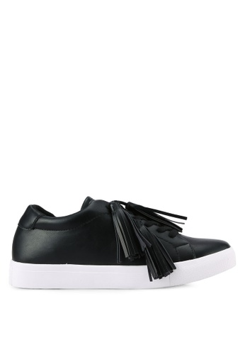 ZALORA 黑色 Tassel 運動鞋 7C08CSHCC7F528GS_1