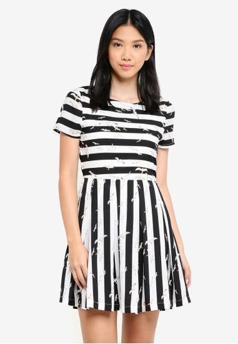 ZALORA multi Short Sleeves Fit & Flare Dress F2FC7AA69D61C8GS_1