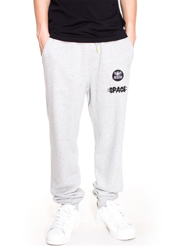 Reoparudo grey RPD Cross Space Reflective Print Sweat Pants (Grey) RE413AA0GDM4SG_1