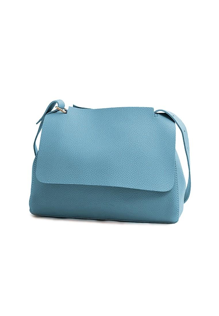 Casually Simple Messenger Bag