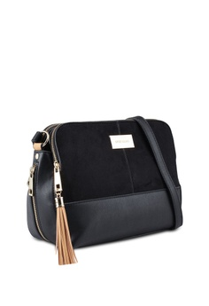 44c1e595fd00 40% OFF River Island Medium Triple Comp S$ 66.90 NOW S$ 39.90 Sizes One  Size · River Island black Black Crossbody Bag 714D4ACF777F1FGS_1