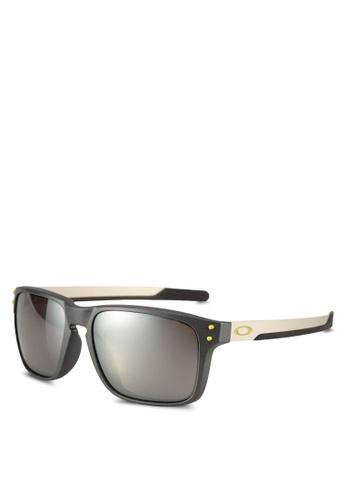 Oakley grey Oakley OO9385 Sunglasses EC0F7GLBE692F6GS_1