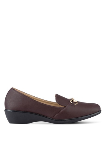 Noveni brown Buckle Detail Loafers NO978SH91REQMY_1