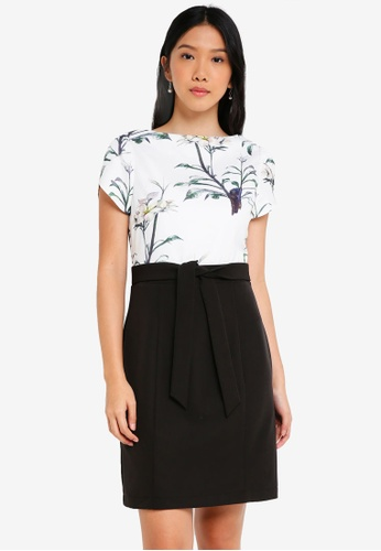 ZALORA black and white Petal Sleeves Colourblock Dress 4B516AA2D1652CGS_1