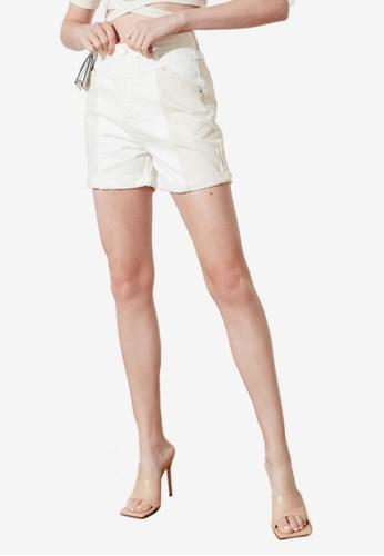 Trendyol 白色 撞色丹寧 短褲 26500AAA81C0F4GS_1