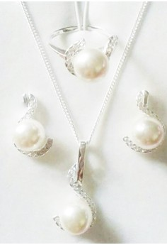 Ladies Pearl Set