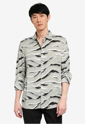 URBAN REVIVO green Casual Printed Shirt 44A7DAA89DC368GS_1