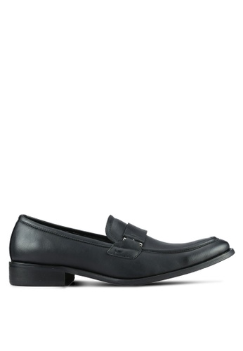 ZALORA black Contemporary Faux Leather Dress Loafers C82F3AA731CC40GS_1