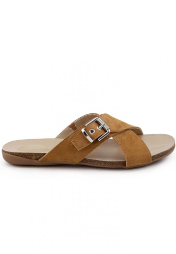 Shu Talk brown Causal Washed Leather Open Toe Buckle Strap Sandals SH617SH2USDIHK_1