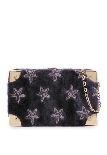 London Berry By Huer purple Petite Trunk Embroidery Fur With Chain Strap LO587AC0VRS9ID_1