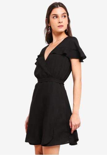 ZALORA 黑色 荷葉飾綁帶洋裝 4AEDBAABD0543EGS_1