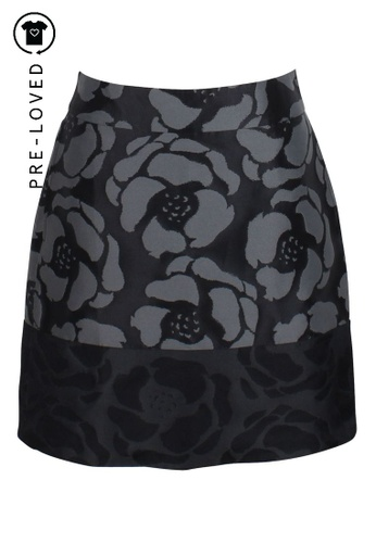 Dkny black Pre-Loved dkny Black Skirt With Big Grey Flowers 49FBDAA1475542GS_1
