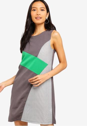 ZALORA 綠色 撞色紋理拼接短洋裝 3917EAA7DCEB98GS_1