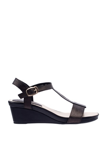 44f82d1bfbc Hush Puppies Women's Lindsey Wedges Sandal - Black