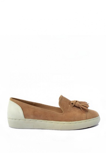 HDY beige Valencia Suede Slip-On Tassel Shoes HD484SH57PGCPH_1