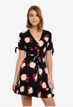 2a410d6af096 Miss Selfridge black Black Floral Print Tie Sleeve Tea Dress  DB57FAAADDCCF6GS_1