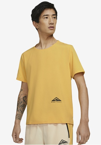 Nike yellow Trail Rise 365 Ss Running Tee 8C5F8AACBE4101GS_1