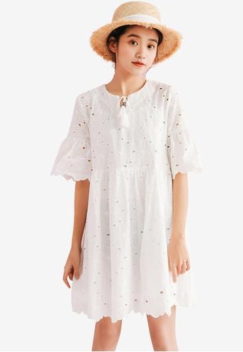 Shopsfashion white Floral Bordered Shift Dress 6CFE2AA36E15E5GS_1