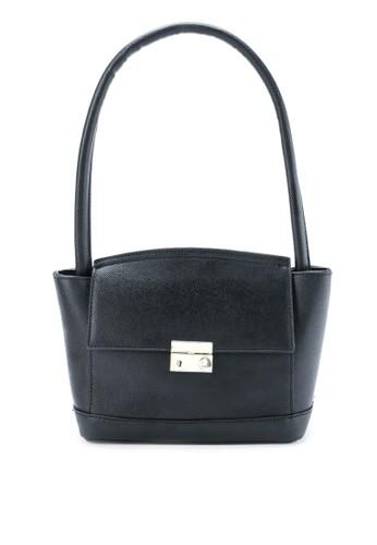 HUER black Akima Flap Shoulder Bag F2DAFAC318C791GS_1