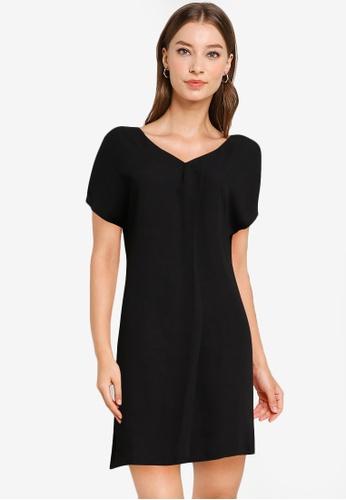 ZALORA WORK black V Neck Shift Dress C0A51AA6BF4F52GS_1