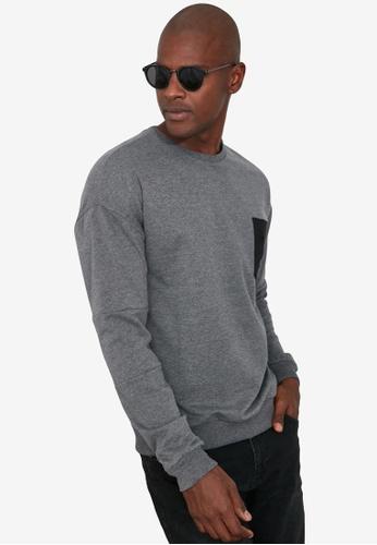 Trendyol grey Crew Neck Pocket Detail Sweatshirt 81F7BAAA2CD371GS_1