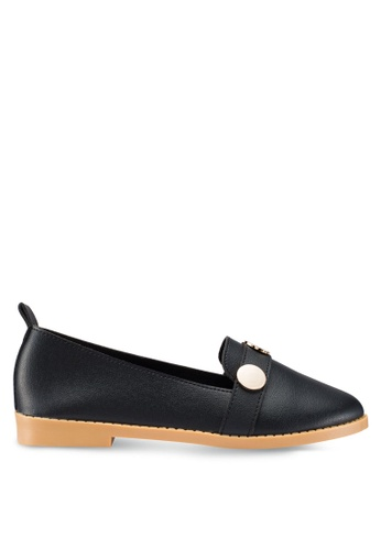 Berrybenka 黑色 金屬飾樂福鞋 A822DSHAEDB77FGS_1