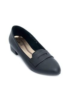 Vilma Closed School Shoes with Heels