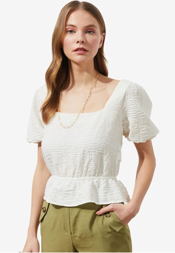 Trendyol white Square Neck Puff Detail Blouse AFE38AAE8C6F1EGS_1